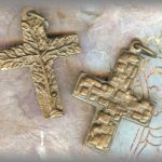 JEWELRY-Pendant-3crosses-1.jpg