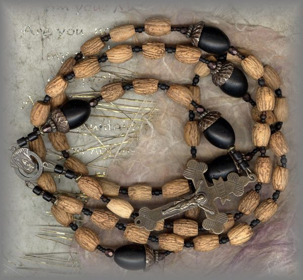 RMIL-21-21340-rosary-c-1.jpg